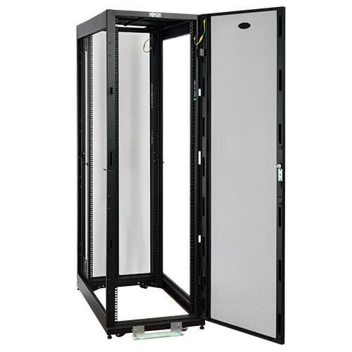 13 sr2400atu rack mang - 42U SmartRack - Dòng tủ rack tiêu chuẩn độ sâu tiêu chuẩn, 2400-lb. Công suất với cửa & tấm bên